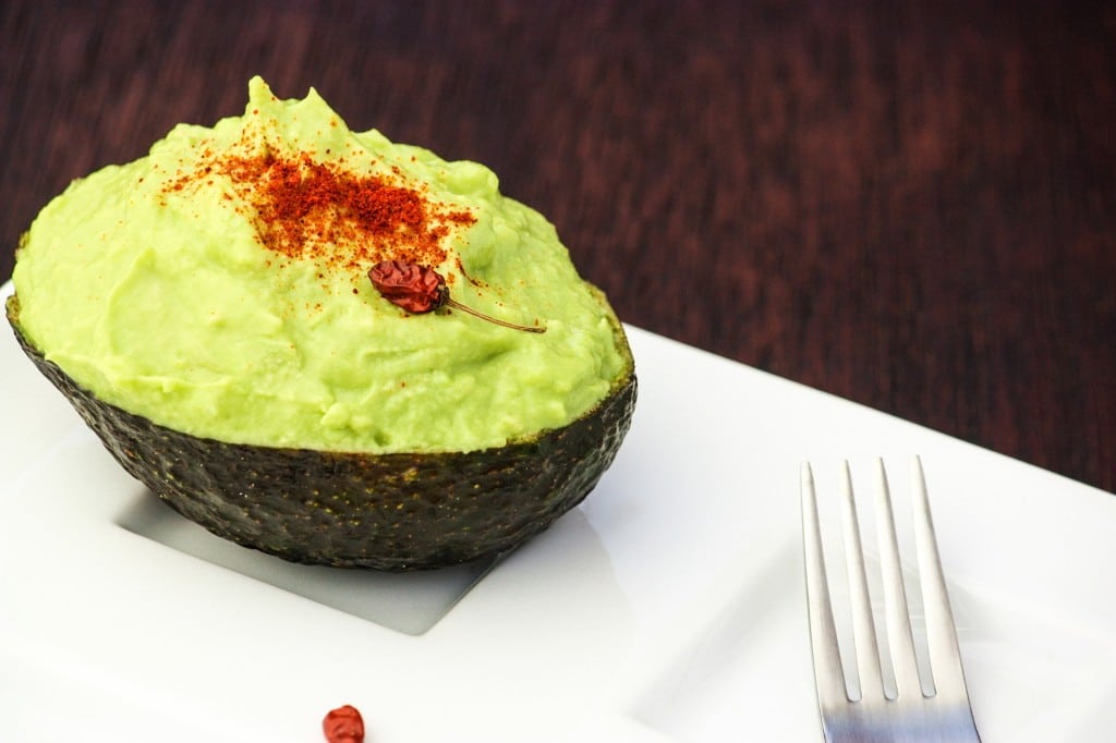 Avocado Hummus 1 1024x682 Spicy Avocado Hummus
